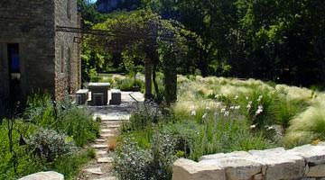 Jardin privé dans le Luberon : la pergola