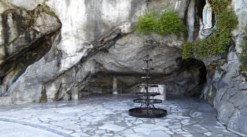 Notre Dame de Lourdes : la grotte des apparitions