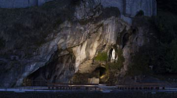 Lourdes : la grotte des apparitions
