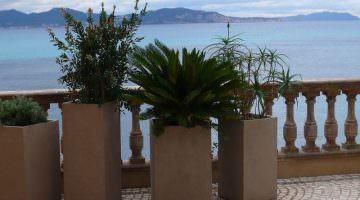 Villa des Tours : la terrasse en mosaïque